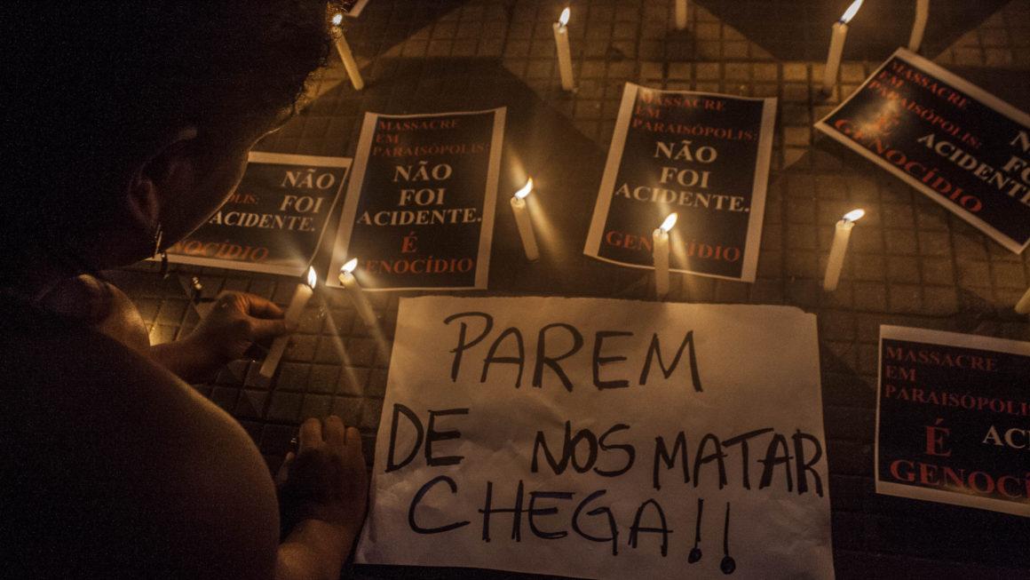 Ato denuncia massacre de Paraisópolis, em São Paulo