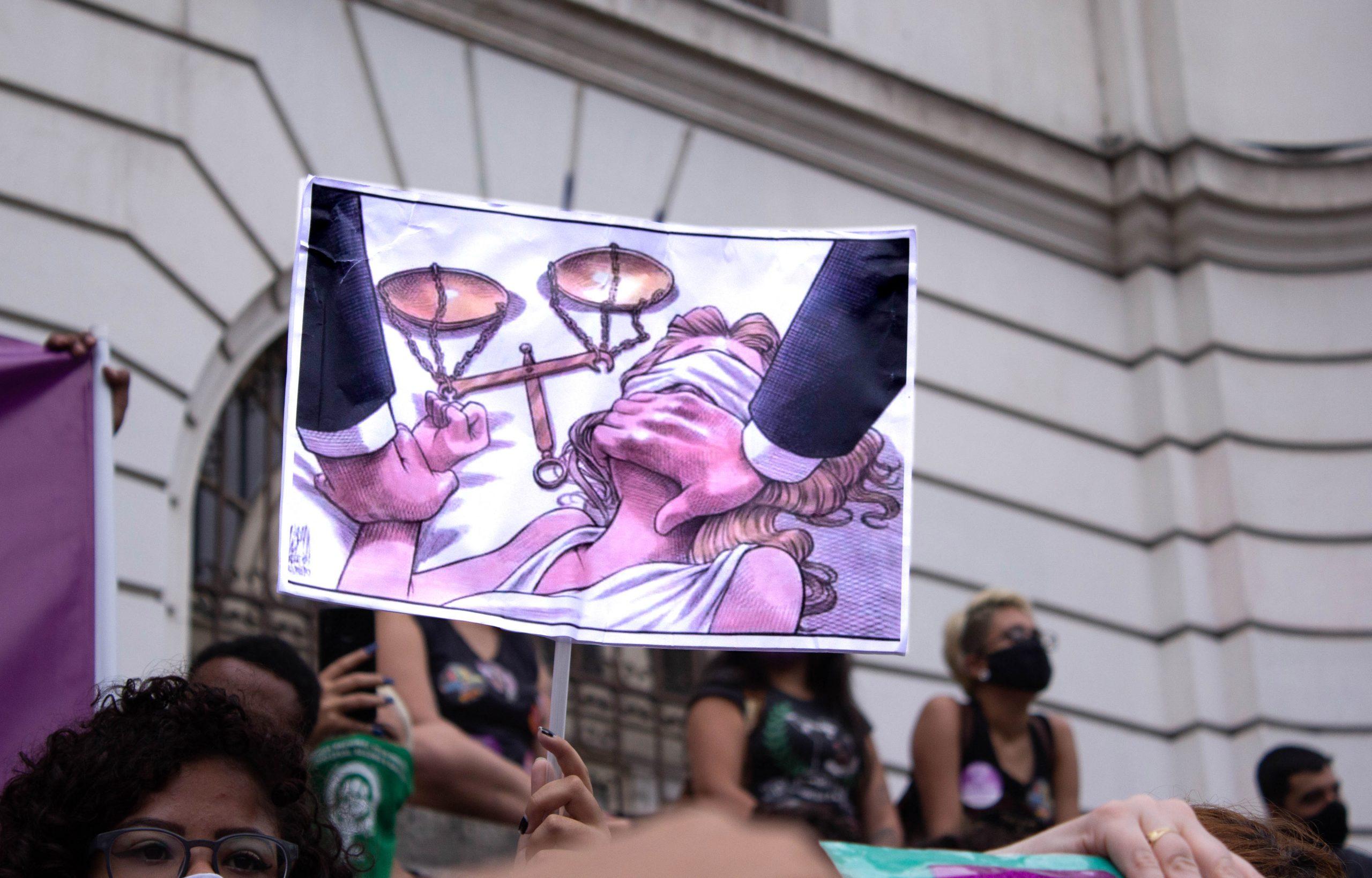 Mulheres no ato Justiça por Mari Ferrer no Rio de Janeiro. Foto: Natalia Perdomo/Fotoguerrilha